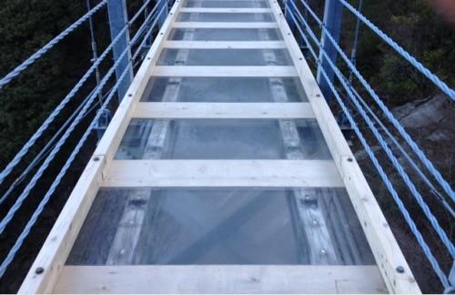スケルトンの吊り橋 白龍妃橋